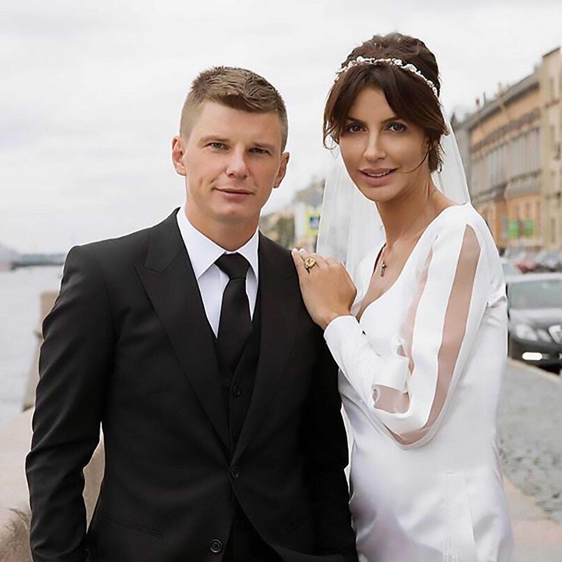 «Ноги тяжело заживают»: Экс-жена Андрея Аршавина сообщила о прогрессе в лечении