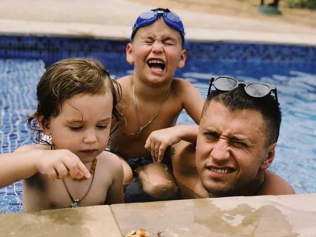 Pavel Priluchny told how his children relate to Miroslava Karpovich