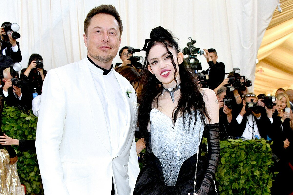 Elon Musk's wife was hospitalized with a panic attack
