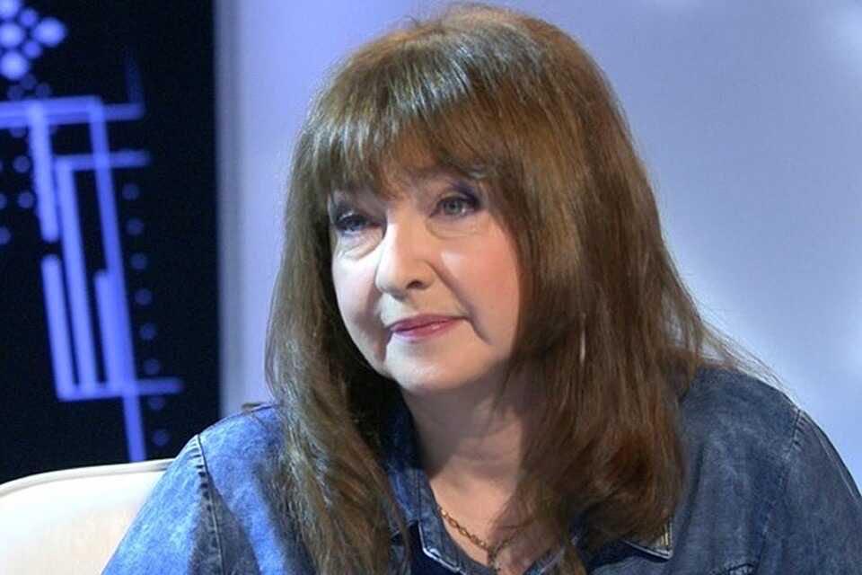 Катя Семёнова объяснила, почему её сын ушёл из режиссуры и стал простым почтальоном