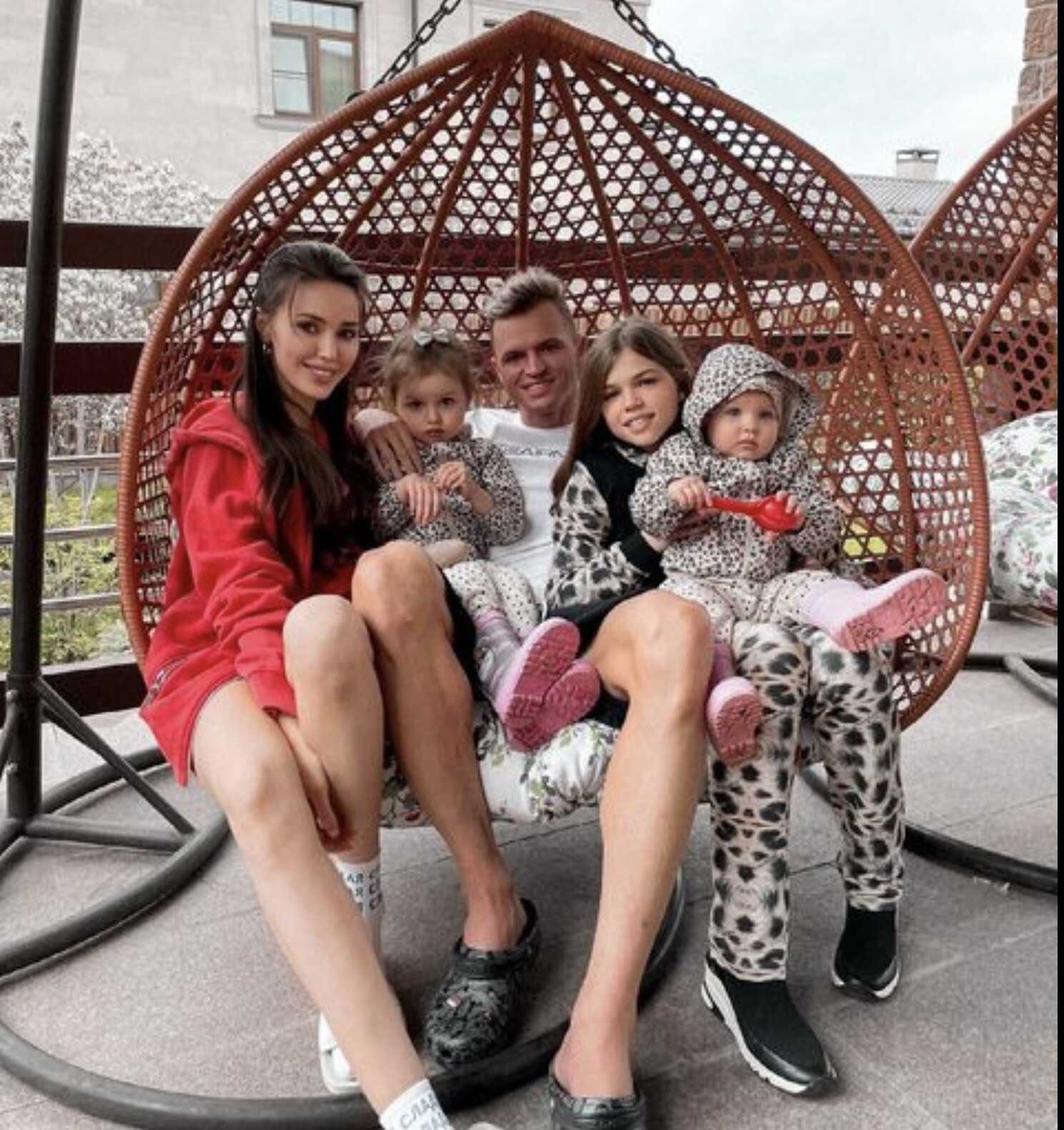 The eldest daughter of Dmitry Tarasov first came to visit him and Anastasia Kostenko