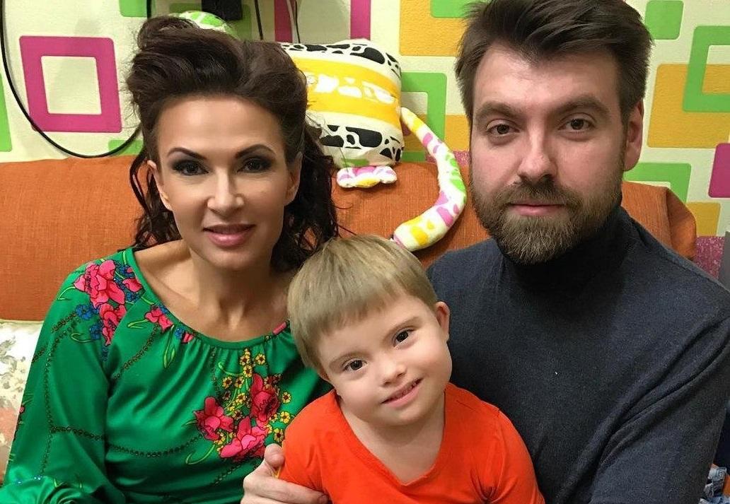 Эвелина Блёданс воссоединилась с отцом своего ребёнка