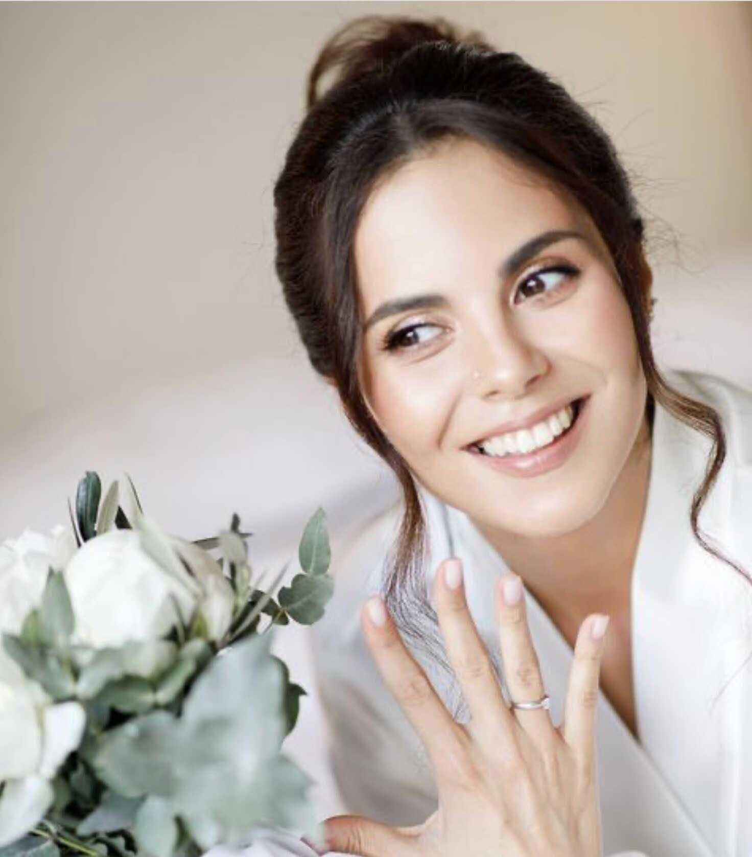 «Моменты любви»: Настя Каменских поделилась своими свадебными фото