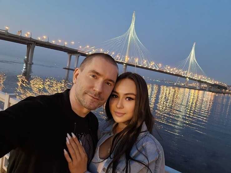 Businessman Oleg Vinnik divorced his wife and has already found a replacement for her