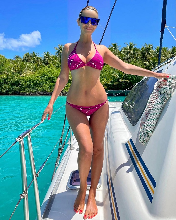 Olga Orlova missed haters and published several photos in a bikini at once