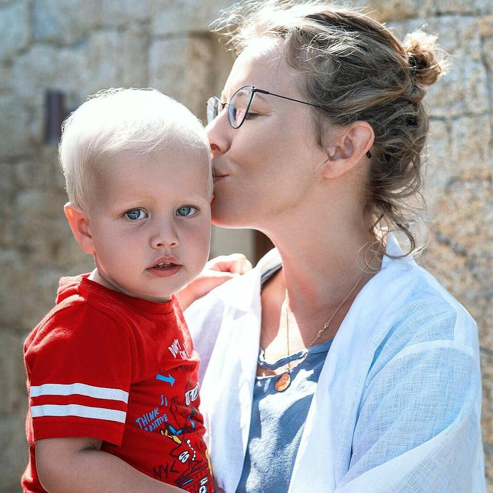 """Ксения Собчак призналась, что """"ребёнок - это супердорого"""""""