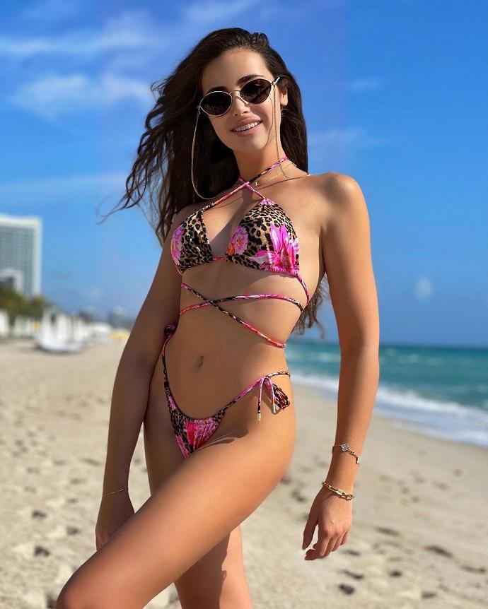 Новое «взрослое» фото Тони Худяковой привело в восторг её фанатов