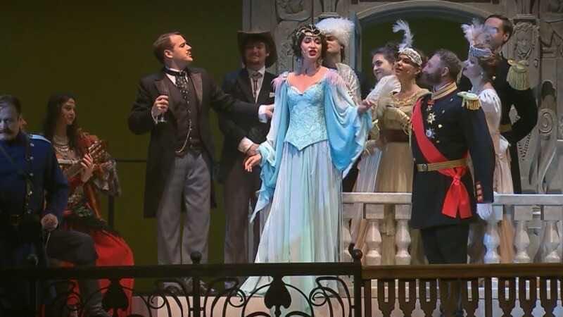 Худрук МХАТа дал оценку дебютному выступлению Ольги Бузовой в спектакле