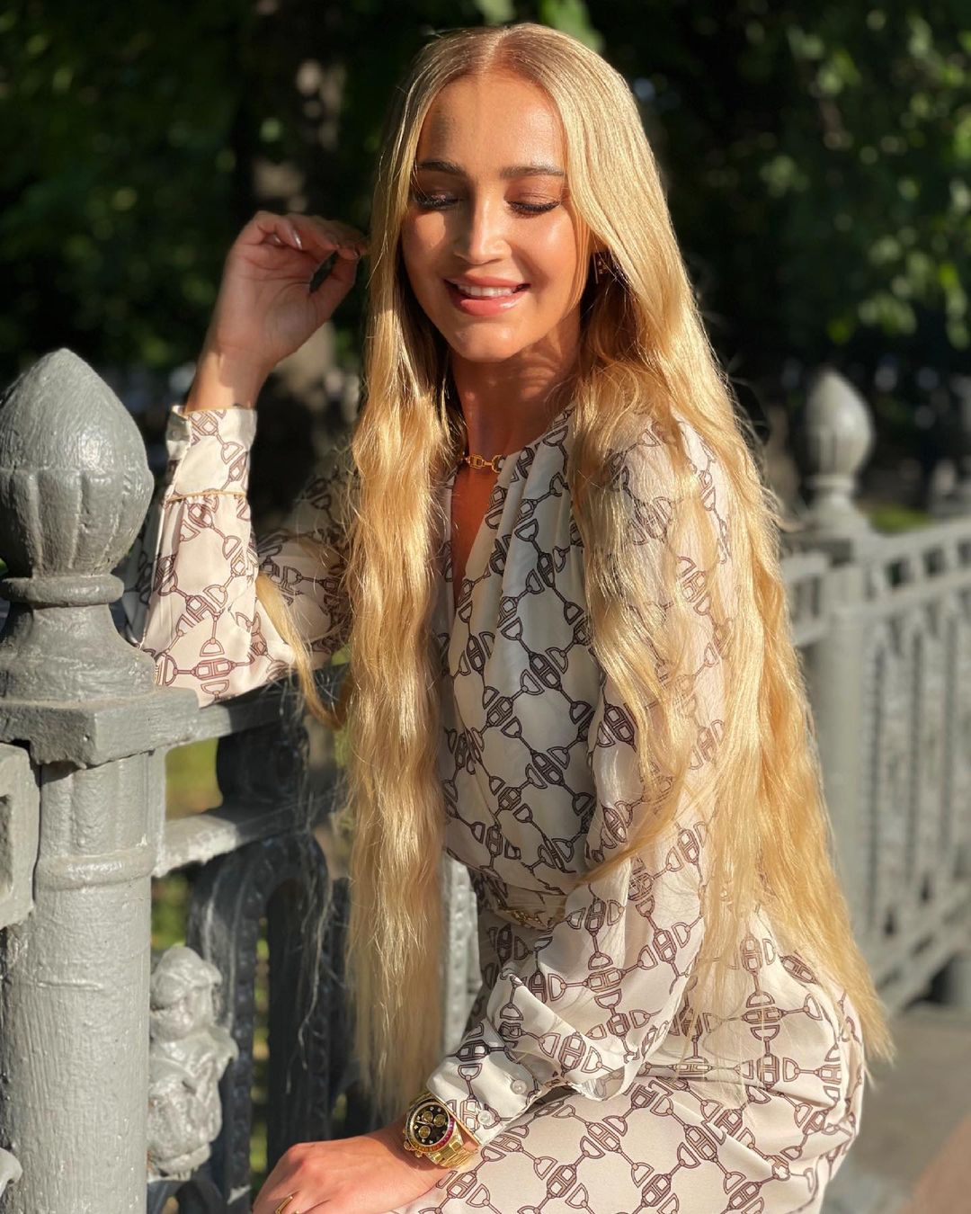 In pictures without Photoshop with a new hair color Olga Buzova looks depressing