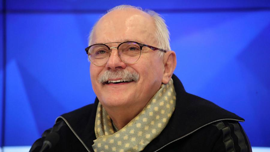 Nikita Mikhalkov offered Olga Buzova the position of usher in the theater