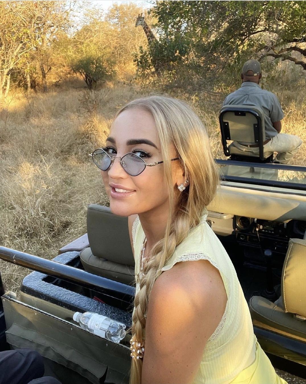 Виктория Боня приехала на шоу в Африке к Ольге Бузовой