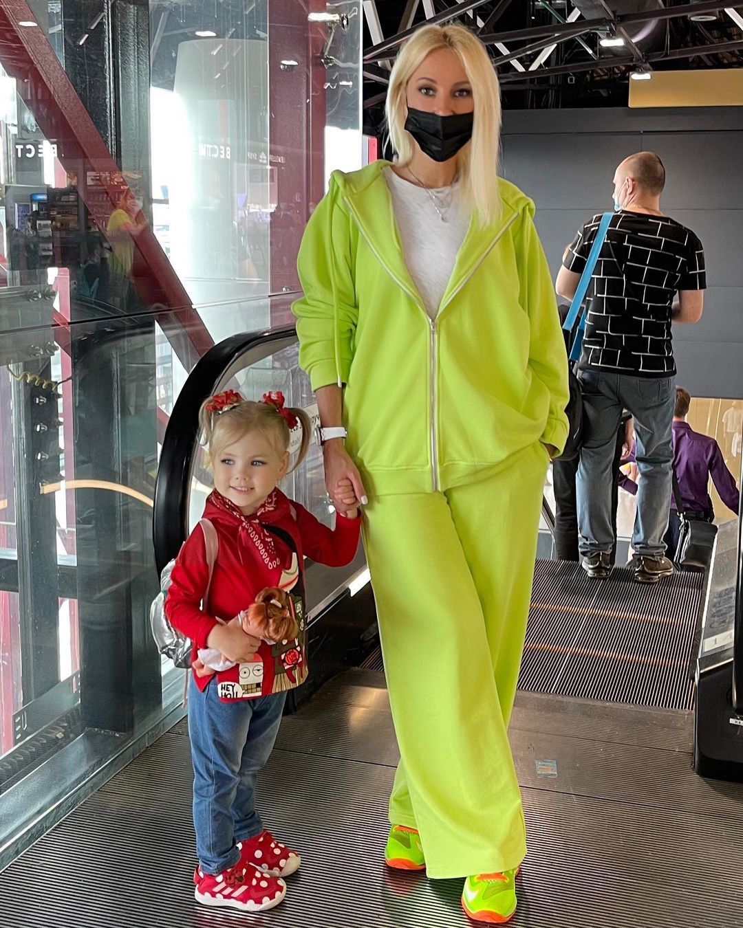 Лера Кудрявцева отправила 2-летнюю дочь в лагерь