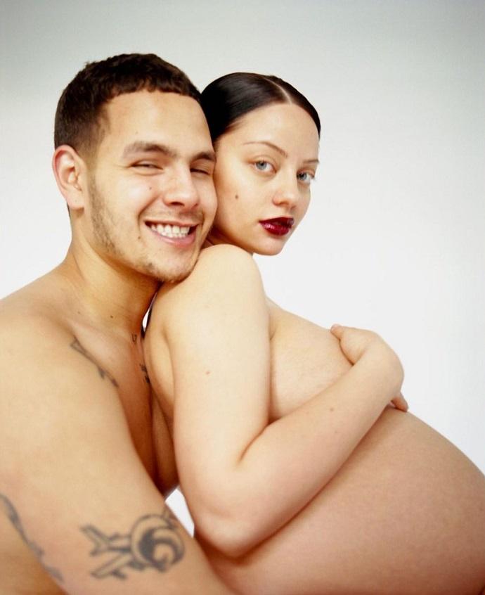 Беременность превратила Катю Кищук в человека-гору и увеличила грудь на несколько размеров