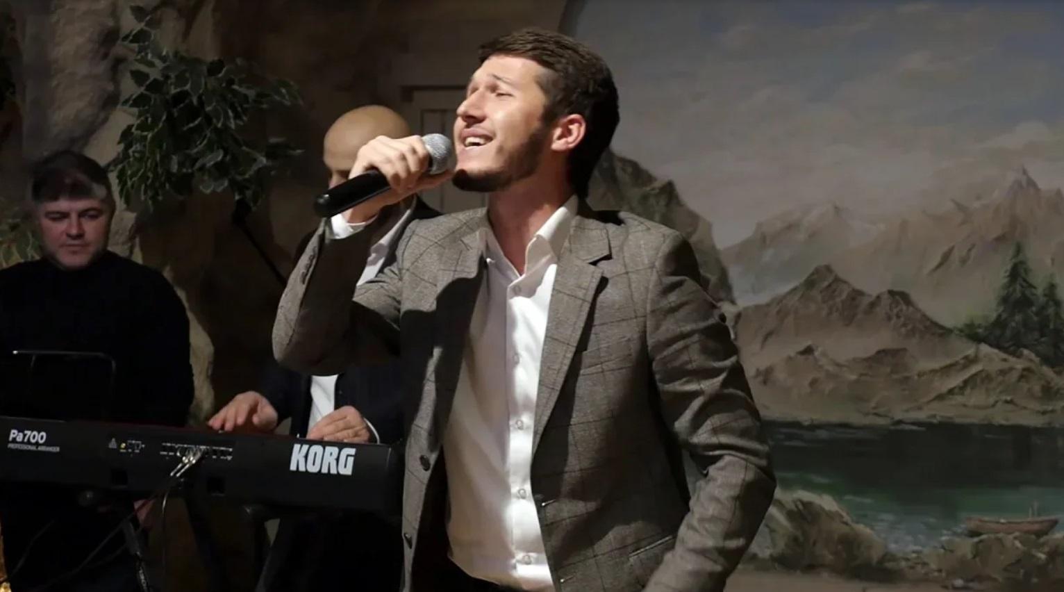 Популярный дагестанский певец Апанди Исмаилгаджиев выпустил новый летний хит