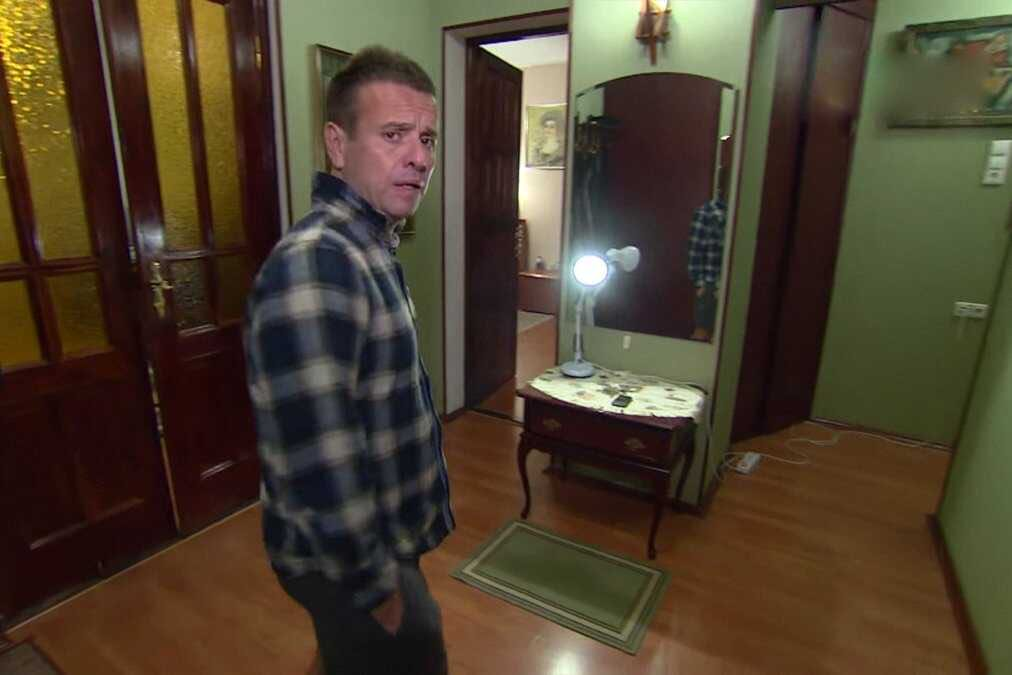 47-летний Андрей Губин провёл экскурсию по своей квартире