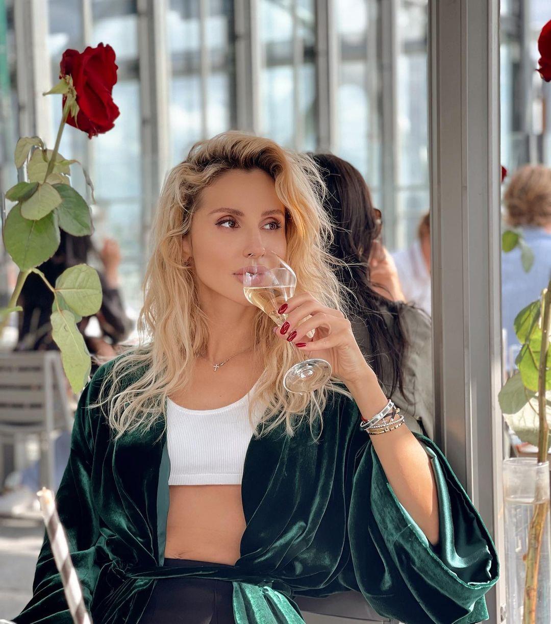 Светлана Лобода выпускает первый трек после расставания с Нателлой Крапивиной