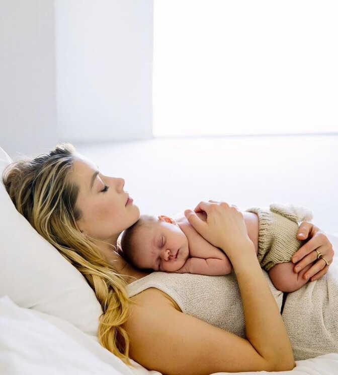 «Я просто мама и папа»: Эмбер Хёрд показала новый снимок с 4-месячной дочерью
