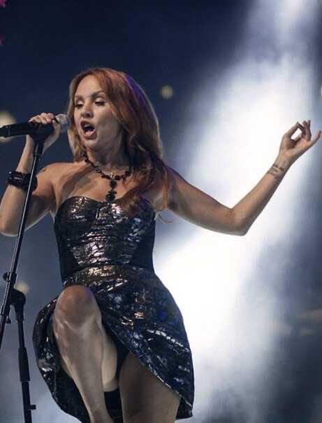 Директор МакSим объяснила, почему певица выступала в Казани в тяжёлом состоянии