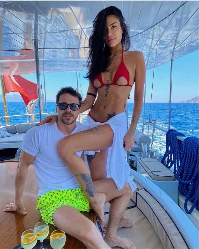 О новой девушке Павла Деревянко поползли нехорошие слухи