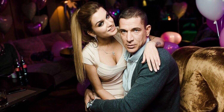 Состоялось первое заседание по делу о разводе Ксении Бородиной и Курбана Омарова