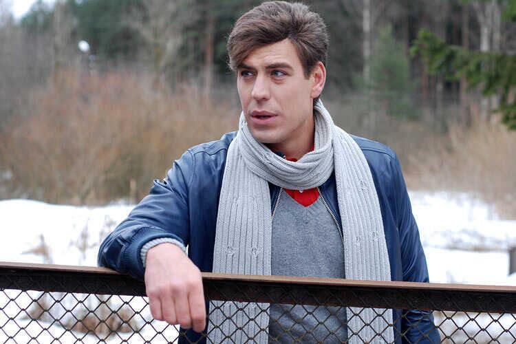 «Семью преследует злой рок»: Дмитрий Дюжев вспомнил, что пережил после того, как похоронил всех близких родственников за пару лет