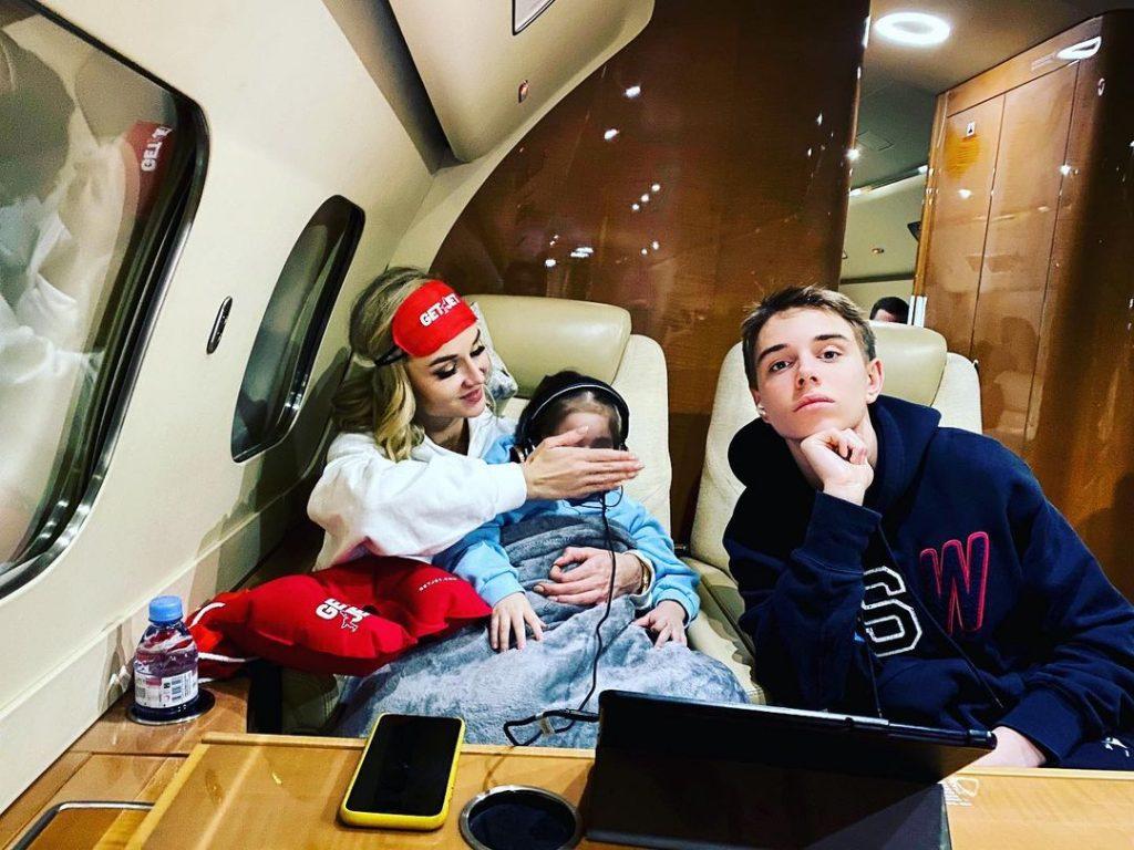 Полина Гагарина призналась, что хочет еще ребенка