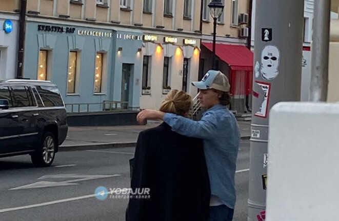 Дочь Дмитрия Маликова отправилась на прогулку с новым бойфрендом