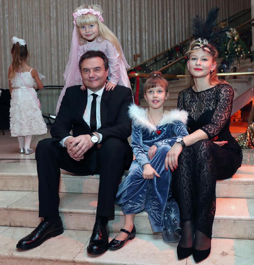 Старшая дочь Юлия Пересильд показала редкое фото с отцом, оставив в подписи грустные строки