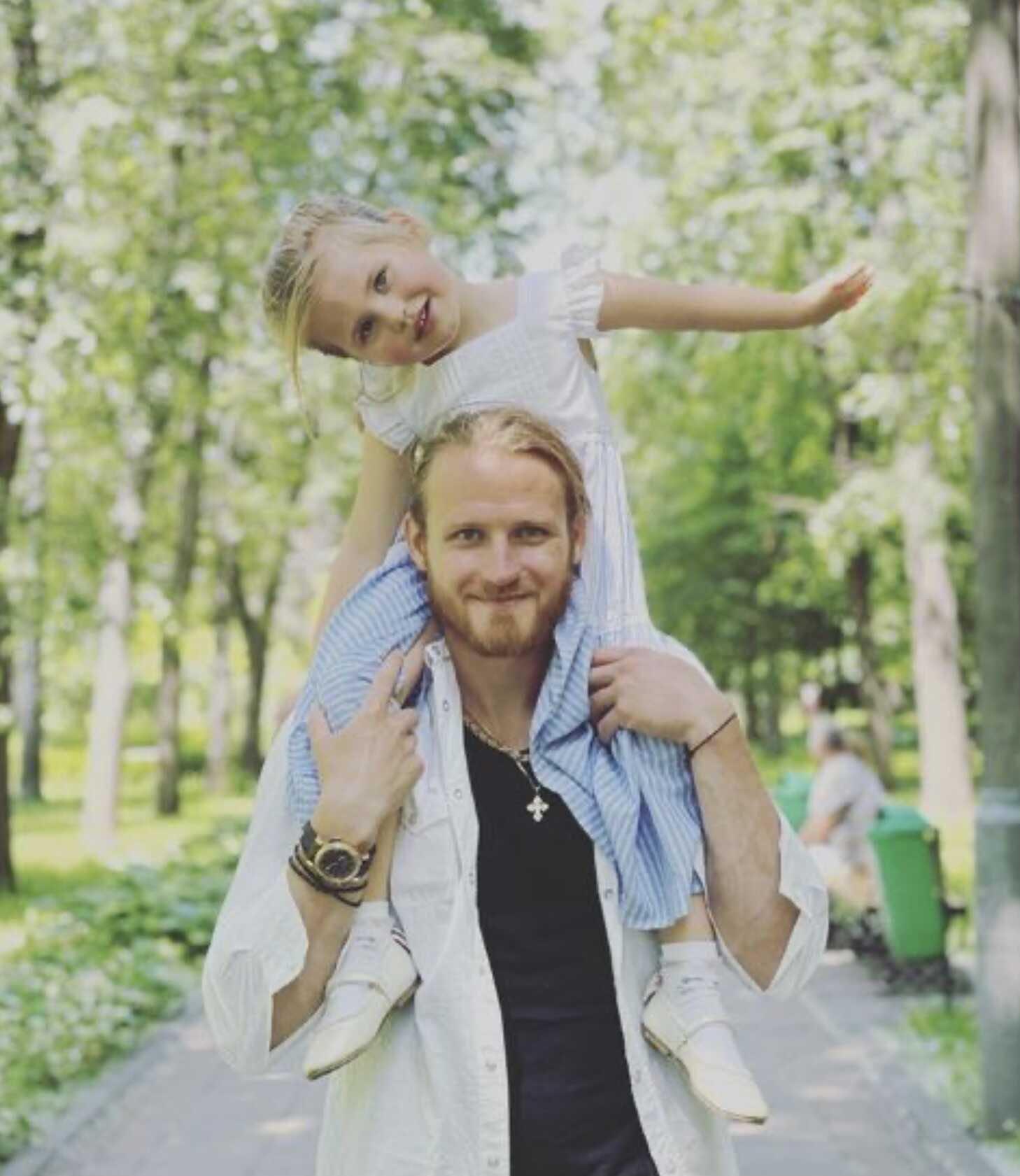 «Копия папы!»: после скандалов и судов дочь Пелагеи и Ивана Телегина приехала жить к отцу