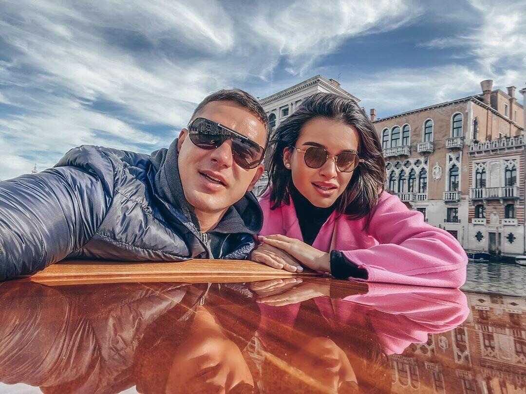 Бывший муж Ксении Бородиной признался, что выжидает момент, чтобы позвонить ей