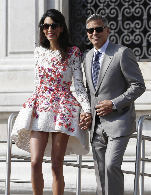 Супруга Джорджа Клуни снова беременна близнецами