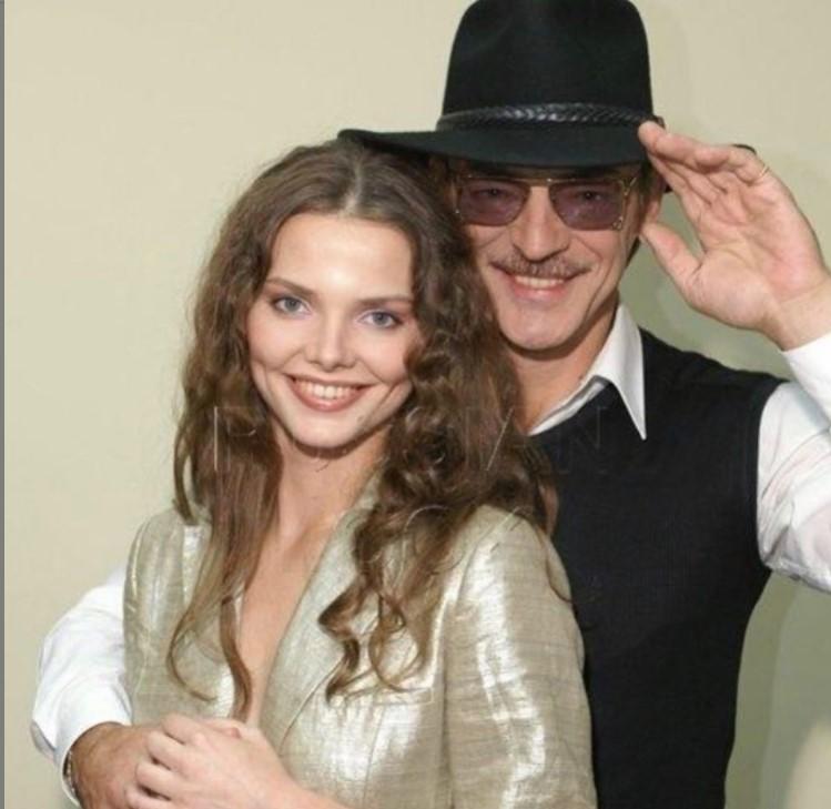 Сын Романа Карцева назвал Михаила Боярского редкостным хамлом, а его дочь Елизавету Боярскую плохой актрисой