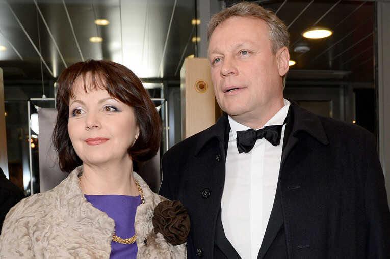 «Дом с колыбелькой»: новая жена 58-летнего Сергея Жигунова намекнула на беременность