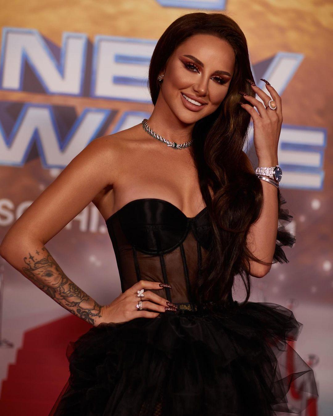 «Молокосос спел и миллионы заработал»: Певица Asti поделилась мнением о «звездах» из соцсетей