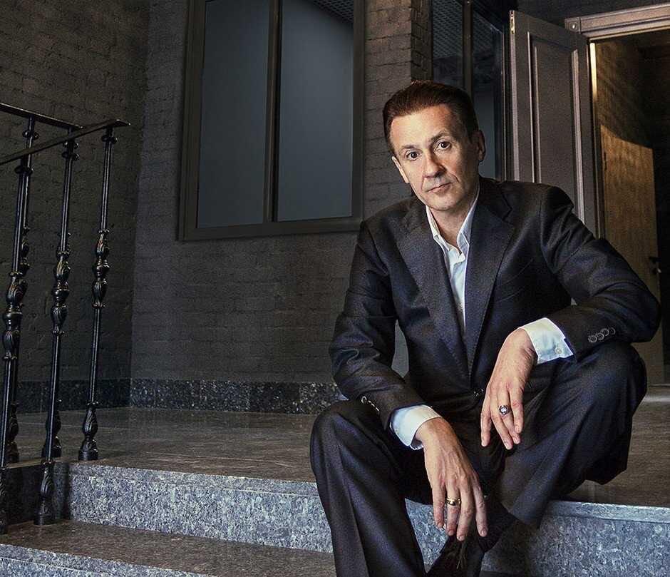 На фоне скандала в театре, Олег Меньшиков уволился с поста директора