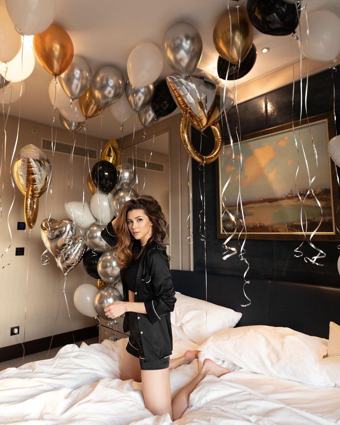 Дочь Анастасии Заворотнюк очаровала новыми снимками в постели