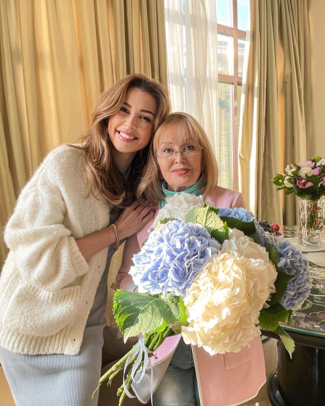 """""""Пообещай, что ты будешь жить вечно"""": Анна Заворотнюк обратилась к любимой родственнице"""
