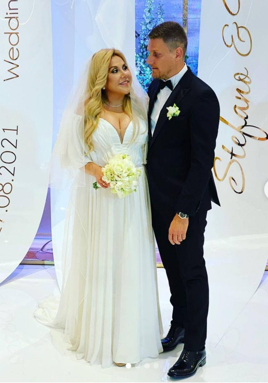 Марина Федункив в белом платье сыграла свадьбу со своим итальянским принцем. Фото и видео с брачной церемонии