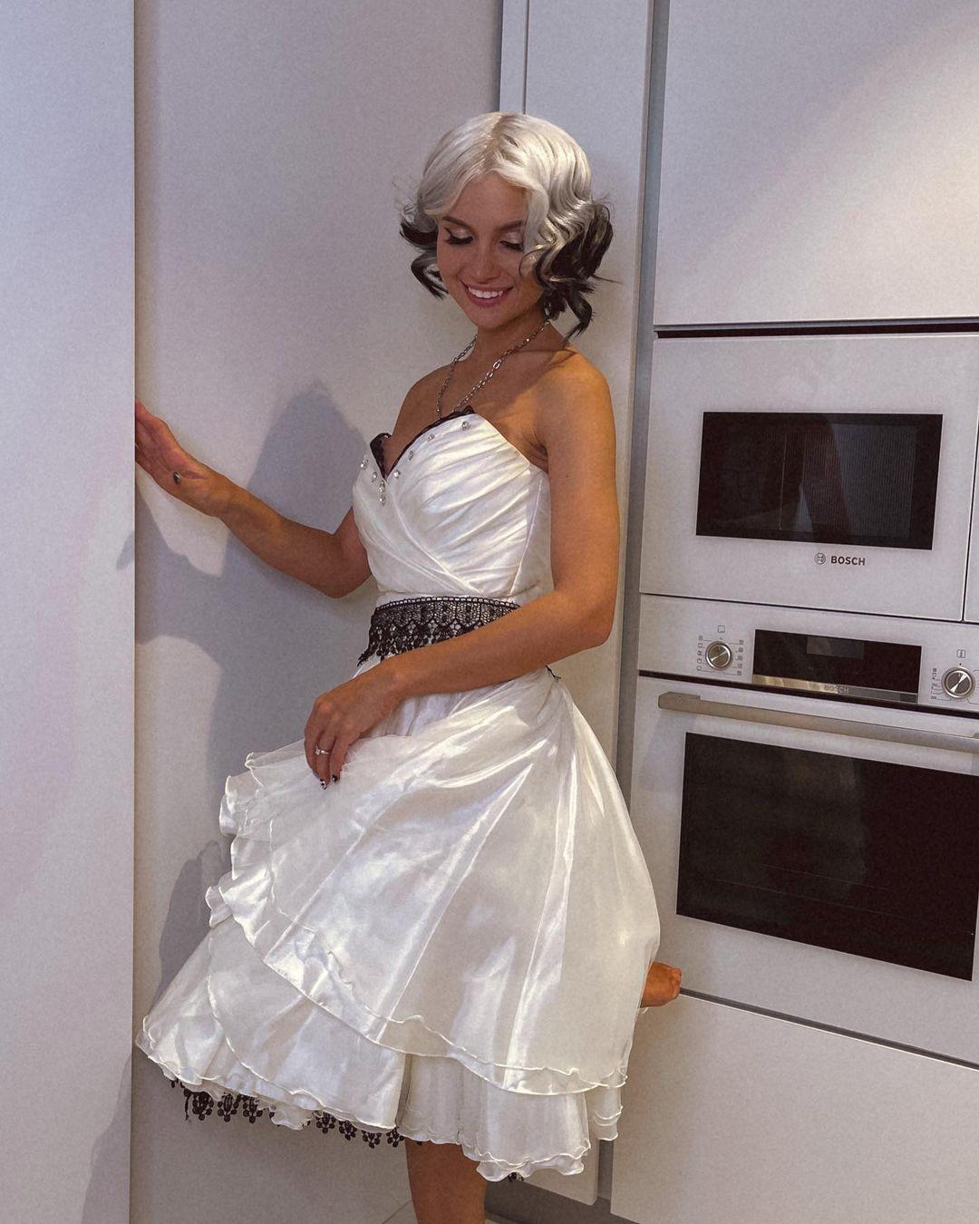 Famous blogger Lissa Avemi got married