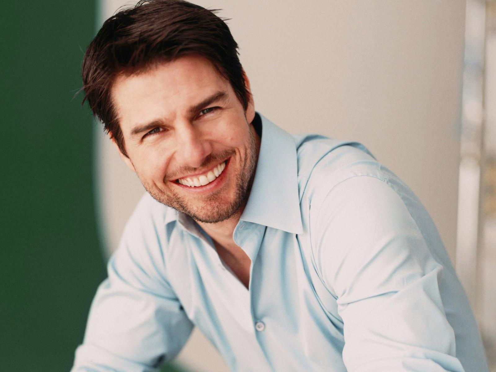 Tom Cruise is not the same: Hollywood actor lost his teeth in a cafe