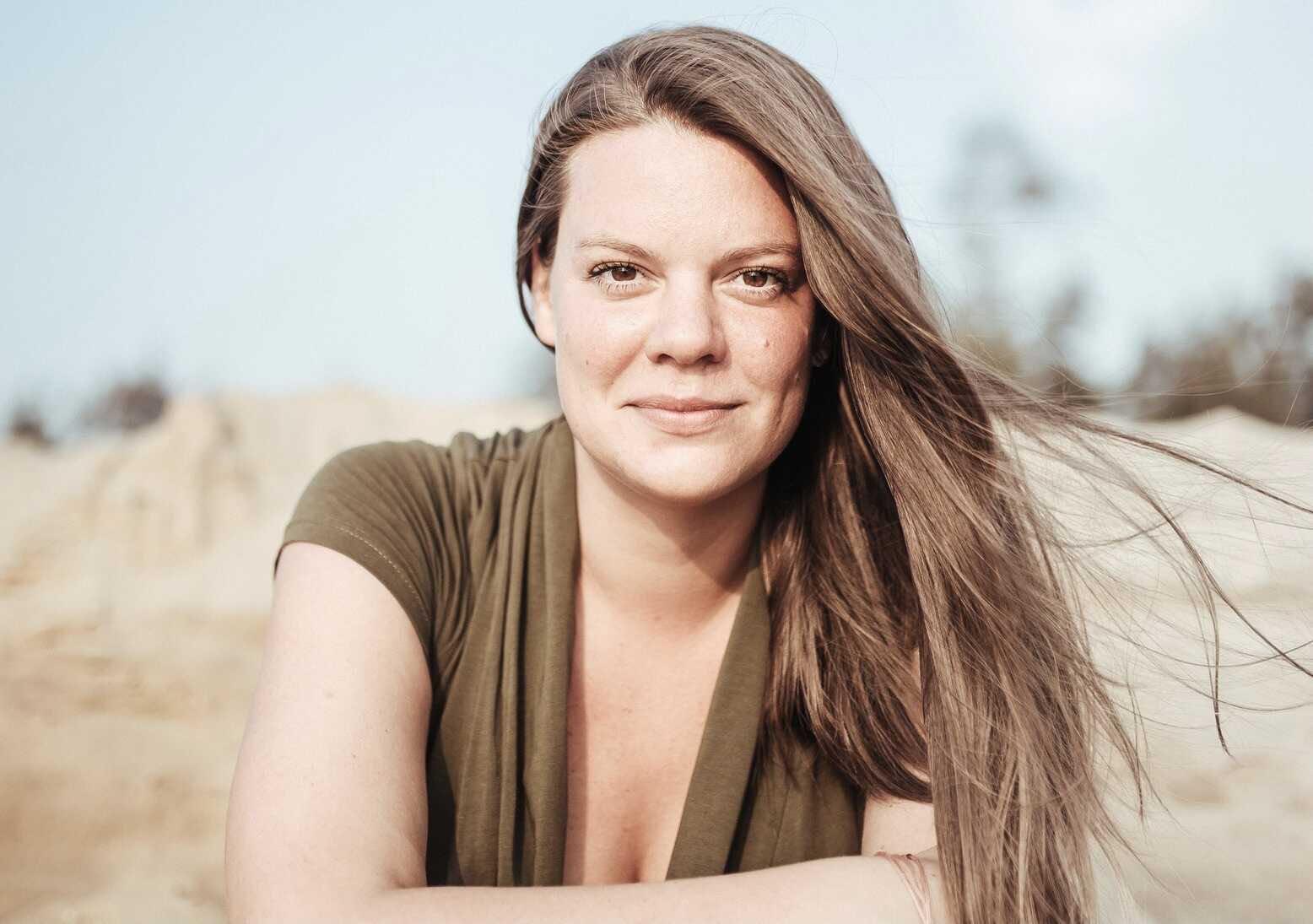 «Сделал вид, что меня не знает»: Вера Полозкова рассказала, как складываются её отношения с женатым любовником