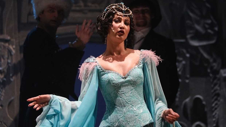 «Бояков сделал финт ушами»: Наталья Бочкарёва одобрила появление Ольги Бузовой во МХАТе