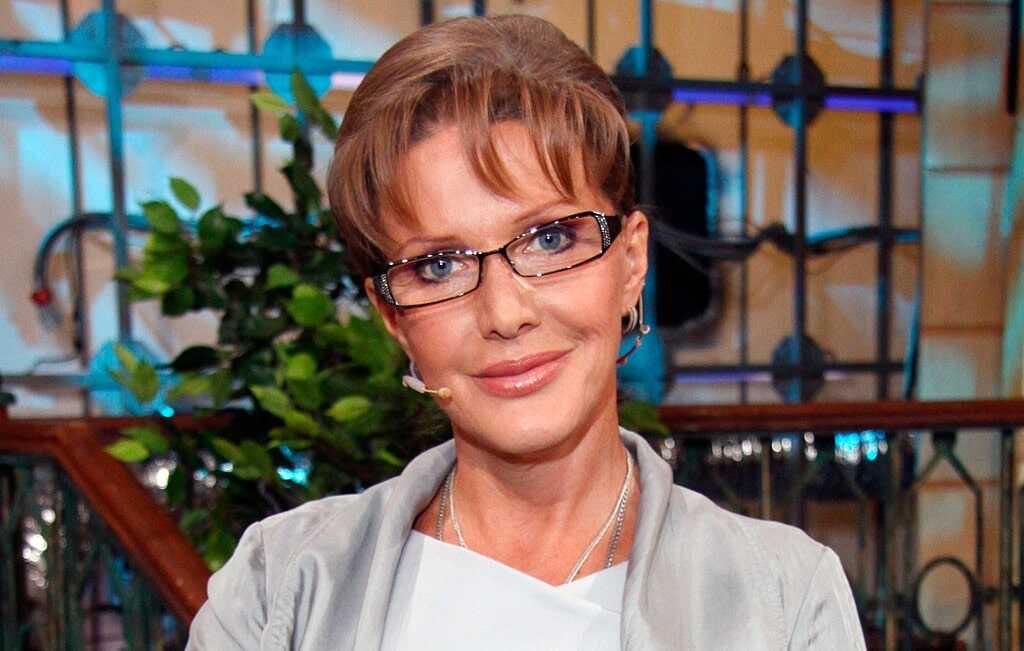 На фоне скандала с домогательствами и походов на телешоу, Елена Проклова купила 4 квартиры в Сочи