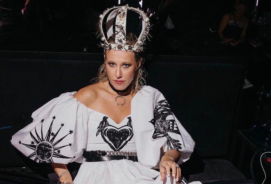 """Borscht got up across the throat"": Ksenia Sobchak was outraged that Olga Buzova got the interview with Moneskin"