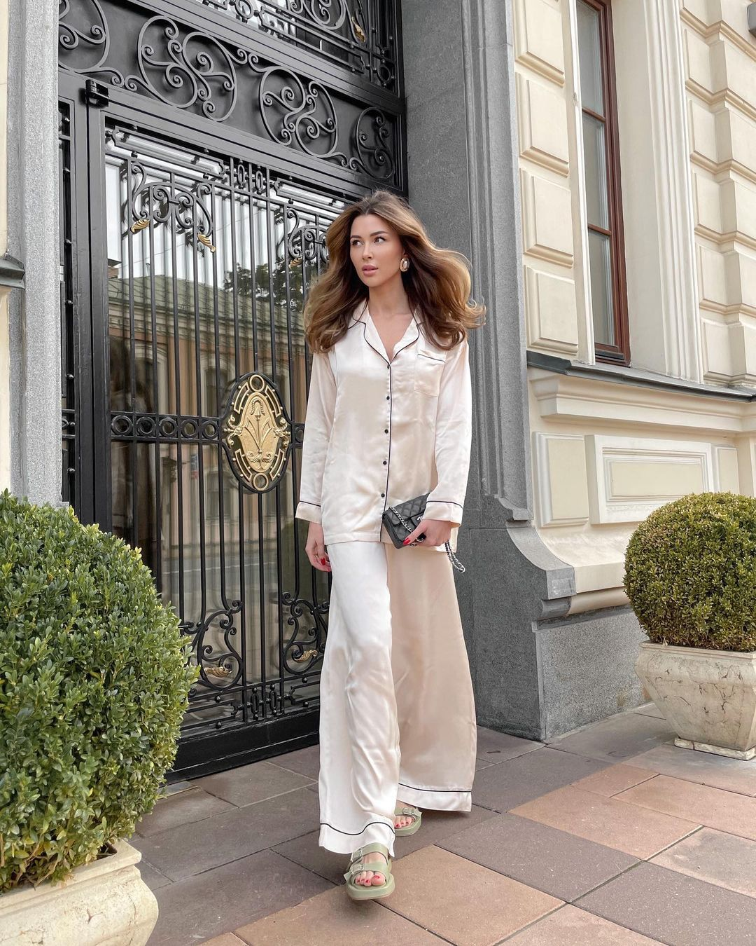 Anna Zavorotnyuk went out into the street in a ridiculous outfit