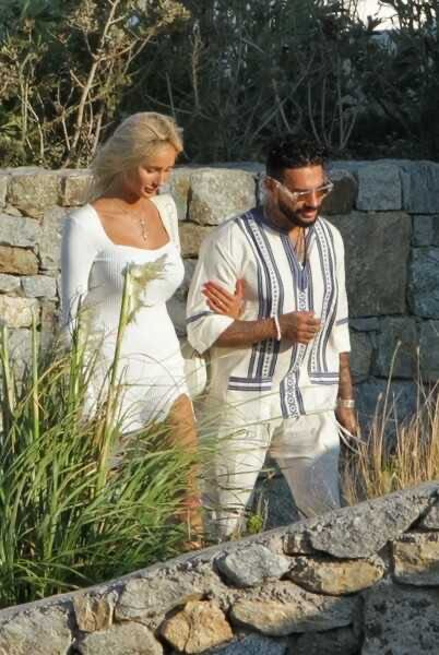The first joint pictures of Timati and Sasha Doni appeared on the network