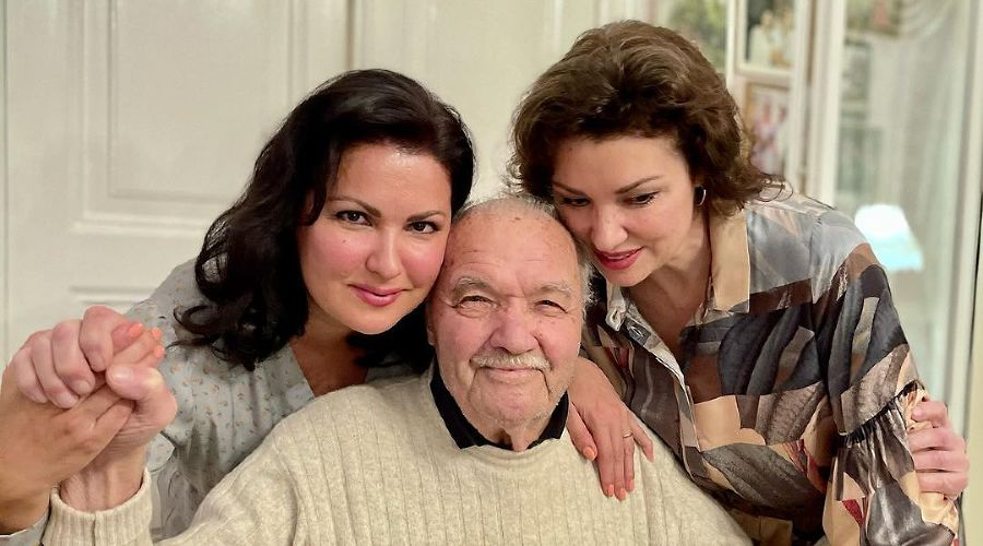 Anna Netrebko honored the memory of her deceased father