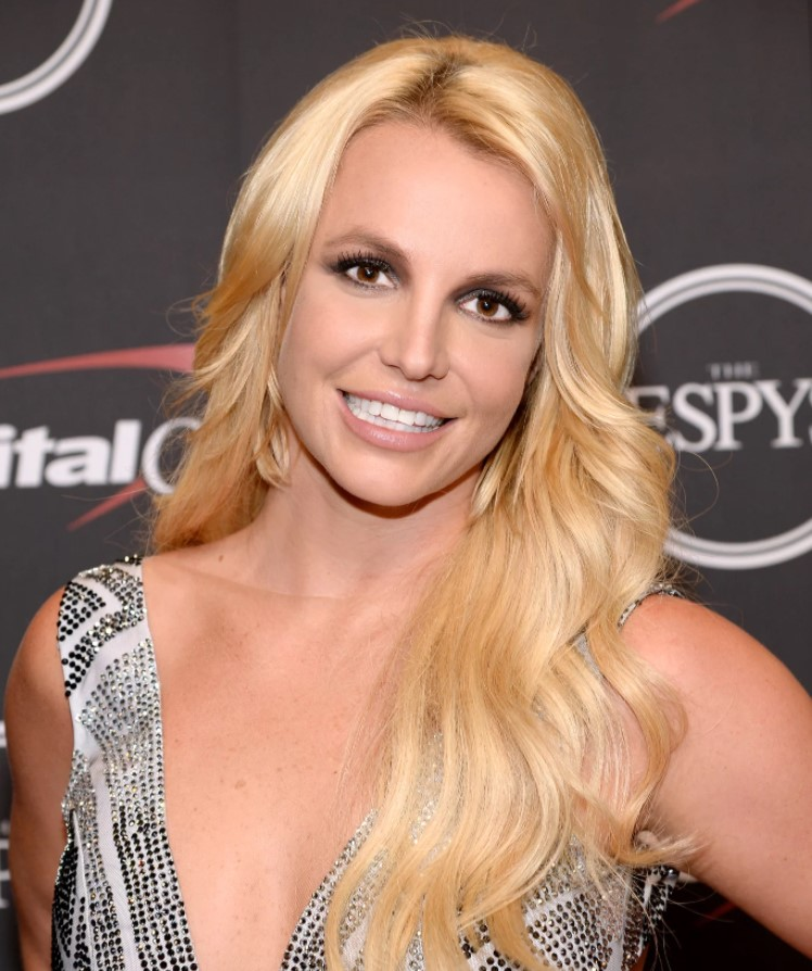 Britney Spears is acting provocatively again