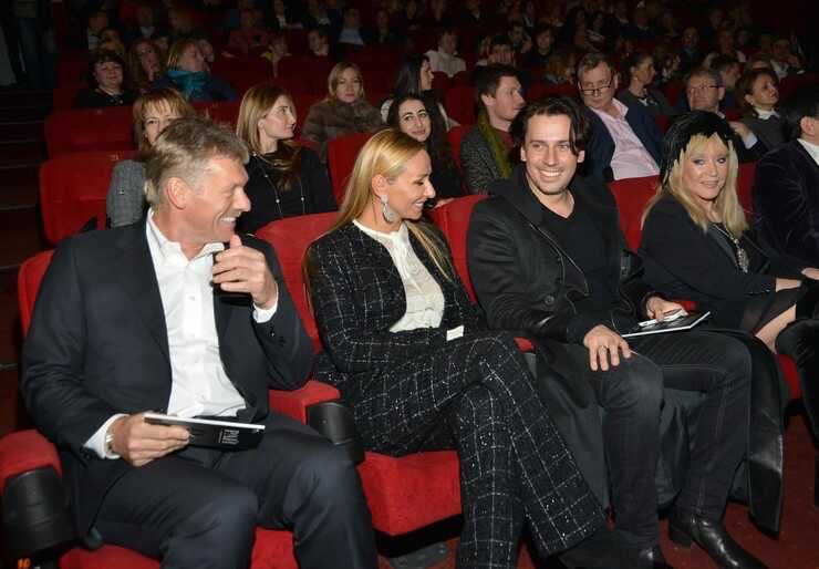 Natalia Gulkina spoke about the venality of show business, citing Alla Pugacheva, Joseph Kobzon and Manizha as an example.