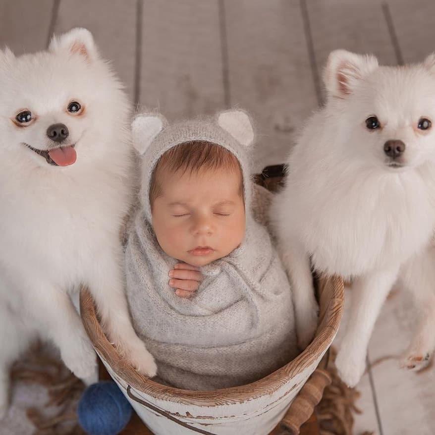 Irina Pinchuk and Arai Chobanyan showed their son